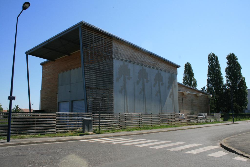vue extérieur coté rue chaufferie collective biomasse
