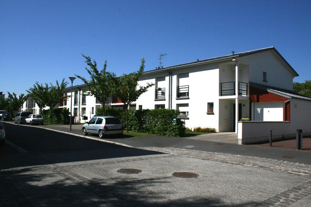 vue de la rue 10 logements individuels locatifs à Soissons