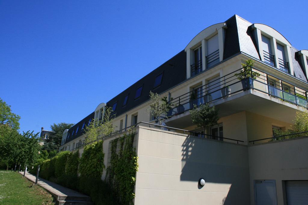 vue arriere logements collectifs à Soissons